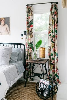 bark cloth tropical drapes in a black and white guest bedroom by SFgirlbybay | via coco kelley