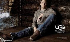 Last year, it was announced that Tom Brady would be the face of UGG Australia for Men. Well, last month, the first ad featuring the New England Patriots quarterback surfaced online. Ugg Snow Boots, Ugg Boots Cheap, Warm Boots, Winter Boots, Winter Snow, Winter Time, Tom Brady Uggs, Tom Brady And Gisele, Moderne Outfits