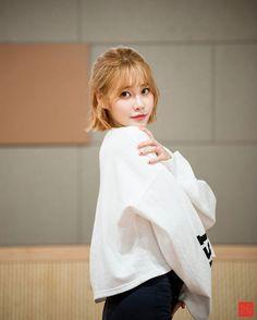 """41 Beğenme, 1 Yorum - Instagram'da AOA Yuna Fanpage (@yunastagram1230): """"When Yuna look at you like this #AOA #Jimin #Choa #Yuna #SeoYuna #YunaSeo #Hyejeong #Mina…"""""""