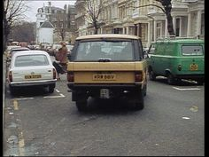 Good old Range, good old Escort and good, old Fiat (?) in good old London!