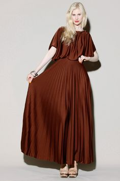 Vintage 70s Pleated Maxi Dress http://thriftedandmodern.com/vintage-70s-pleated-maxi%20dress