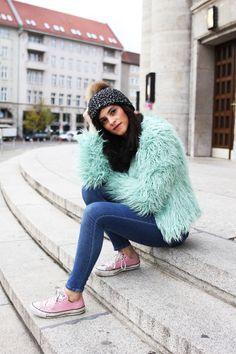 Spotted VILA furry coat on lesberlinettes.com