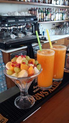 Fresh fruits & fresh orange juice!!