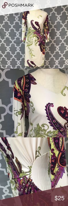 Ronnie Nicole Paisley Print Blouse 🔘Description Ronni Nicole Paisley Print Dress women's plus size 18 good used condition  🔘Measurements:  Pit to Pit: 23 inches       Shoulder to Hem: 29 inches                               Inventory: D    Thanks for stopping by! Ronni Nicole Dresses Midi