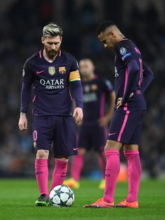 Lionel Messi of Barcelona (L) and Neymar of Barcelona (R) are dejected after Manchester City score their thrid goal during the UEFA Champions League Group C match between Manchester City FC and FC Barcelona at Etihad Stadium on November 1, 2016 in Manchester, England.