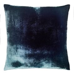 Kevin O'Brien Ombré Velvet Pillow (1.010 BRL) ❤ liked on Polyvore featuring home, home decor, throw pillows, pillows, square throw pillows, navy blue throw pillows, velvet accent pillows, navy home decor and dark blue throw pillows