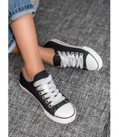 Chuck Taylor Sneakers, Chuck Taylors, Model, Shoes, Fashion, Moda, Zapatos, Shoes Outlet