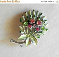 Your place to buy and sell all things handmade Vintage Brooches, Vintage Earrings, Vintage Jewelry, Brooch Bouquets, Floral Bouquets, Brooch Pin, Vintage Items, Pretty, Flowers