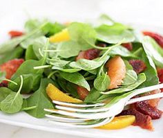 Berry and Mango Salad #HealthyRecipe #LYFEKitchen #EATGood #FEELGood #Berry #Mango #Salad