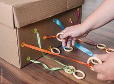 20 ideias para montar caixas sensoriais diferentes, e cheias de descobertas e aprendizados para as crianças.