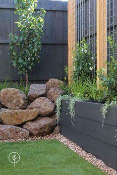 Small Backyard Design, Backyard Garden Design, Garden Landscape Design, Landscape Structure, Deck Design, Back Gardens, Small Gardens, Outdoor Gardens, Corner Landscaping