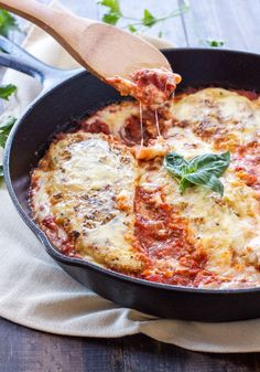 Lightened Up Skillet Chicken Parmesan | This lighter & easier to make chicken parmesan still has all the flavor, but  not the fat and calories! | www.reciperunner.com