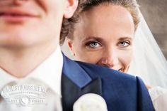 #wedding #bruiloft #Rotterdam #trouwauto Creative wedding photography - creatieve bruidsfotografie - Leonie  en Martijn - Studio Stiep