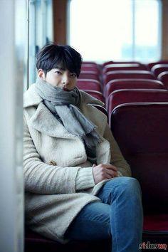 Kim woo bin as shin joon young ❤ Asian Actors, Korean Actresses, Korean Actors, Kim Woo Bin, Korean Star, Korean Men, Drama Korea, Korean Drama, Won Bin