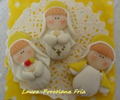 souvenirs de comunion en porcelana fria - Buscar con Google Pasta Flexible, First Communion, Biscuits, Polymer Clay, Porcelain, Dolls, Christmas Ornaments, Holiday Decor, Crafts