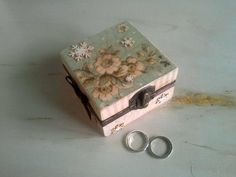 Wedding ring box, ring bearer box, shabby chic decoration, brown box, engagement ring box, gift idea, vintage wedding, jewelry box by WeddingDesignForYou on Etsy