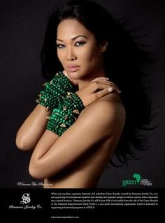 Kimora Lee Simmons takes her stackable green bracelets seriously!