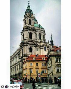 #Repost @kkj0930 in Prague  알프스 북쪽의 로마 체코의 프라하 ... Rome in the north of the Alps ( Prague in the Czech Republic. ) . St Nicholas Church Bell Tower ( Nicholas Church St Zvonice ) #세인트니콜라스교회 종탑 . Lesser Town square Malostranské náměstí #흐라드차니 ( Hradčanské Hradcanske ) #레서타운스퀘어 . #여행 #유럽여행 #trekking #写真 #사진여행 #写真旅行 #Pictures #자연 #自然 #Nature #旅行 #Travel #유럽 #Europ #체코 #Czech #체코공화국  #프라하 #체코슬로바키아 #Chechoslovakia #Praha #백탑의도시 #유럽의음악도시 #알프스북쪽에있는로마