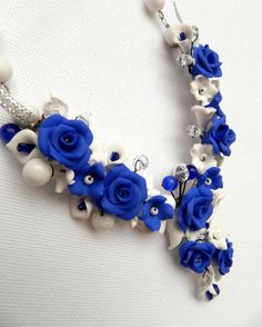 Blue Blue roses Handmade bib necklace Jade by insoujewelry