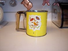 Vintage yellow Androck handisift flour sifter by MaAndPasAttic, $12.00