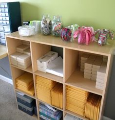 mailing station in craft room Home Business Organization, Business Storage, Office Organization At Work, Room Organization, Ebay Office, Craft Font, Packing Station, Craft Room Decor, Home Decor