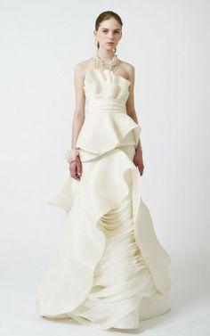 Satin Organza natürliche Taile Brautkleid mit Rüschen mit Gürtel