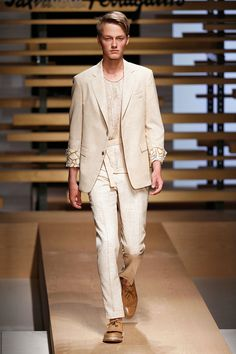Trends from Milan Fashion Week Spring/Summer 2015 - Franchise and distribution Bespoke&Made to measure suits and shirts - Tailored suit and shirts for men and women http://www.kkandjay.com/