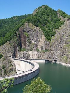 Romania Facts, Turism Romania, Romania Travel, Romanian Flag, Bucharest, Best Cities, Holiday Travel, Beautiful Places, Beautiful Pictures