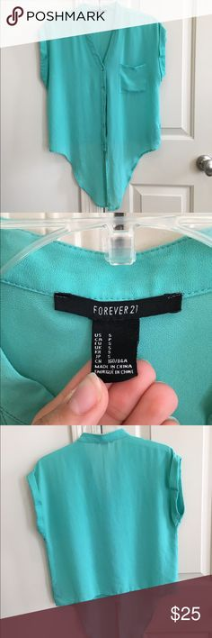 FOREVER 21 teal top with front tie Absolutely loved wearing this top tied over a skirt or high waisted shorts! Forever 21. Great condition and no tears or stains. Cutest color for summer. Slightly sheer (I always wore something under). Forever 21 Tops Crop Tops