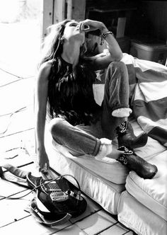erin wasson | famous | american flag | model | famous | style | cool | black & white | fashion editorial | guitar | rock n roll | music