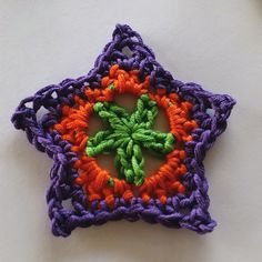 Ravelry: Star Motif - easy 3 rounds by Shelley Husband... Free pattern!