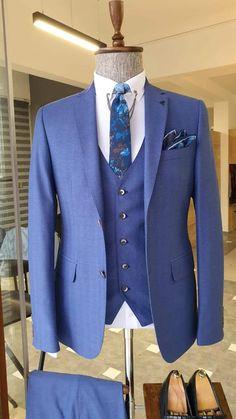 Blue Slim Fit Suit, Black Suits, Fashion Suits, Men Fashion, Blazer Outfits Men, Formal Suits, Suit Vest, Gentleman Style, Weeding