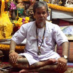 Très en vogue, le tatouage traditionnel Thaïlandais appelé Sak Yant est réalisé selon des rituels très précis. Découvrez les secrets de cet art ancestral et rendez-vous en m.