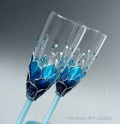Blue Wedding Glasses, Champagne Glasses, Champagne Flute, Set of 2 Hand Painted Ombre Blue effect hand painted champagne glasses - set of These champagne flute are decorated with cut glass crystals in 2 shades of Great choice for a blue themed weddin Decorated Wine Glasses, Hand Painted Wine Glasses, Verre Design, Glass Design, Wine Glass Crafts, Bottle Crafts, Bottle Painting, Bottle Art, Wedding Glasses
