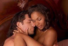 Na cama vale tudo! Que tal deixar o seu homem no comando? Vaja algumas maneiras deliciosas de permitir que ele assuma o comando da transa e te proporcione muito prazer.