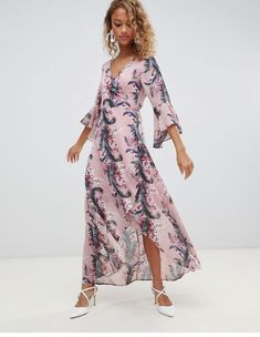 Discover cheap women's dresses at ASOS Outlet. Shop the latest collection of winter and summer dresses at cheap prices with ASOS. Boho Floral Dress, Floral Skater Dress, Lace Midi Dress, Maxi Wrap Dress, Chelsea Flower Show, High Neck Lace Dress, Fishtail Maxi Dress, Asos, Velvet Bodycon Dress