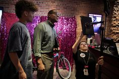 #Autismo no NYT: In Ridgefield a Movie Theater With a Lofty Mission