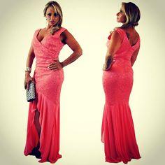 Estilo e sofisticação na Black Suit Dress! Alugue ou compre www.blacksuitdress.com.br #vestidodefesta #vestidoimportado #alugueldevestidos #vendadevestidos #acesse #blacksuitdress #luxo #chic #estilo #elegancia