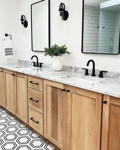 Home Decor Recibidor Beautiful white bathroom with wooden cabinets and hexagon floor. So lovely! White Bathroom, Bathroom Interior, Interior Design Living Room, Small Bathroom, Master Bathroom, Bathroom Ideas, Bathroom Showers, Restroom Ideas, Bathroom Canvas