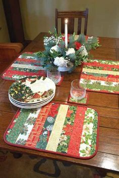 Christmas Fabric Crafts, Christmas Placemats, Christmas Sewing, Diy Christmas Ornaments, Christmas Tree Decorations, Christmas Centerpieces, Christmas Stuff, Christmas Projects, Holiday Quilt Patterns