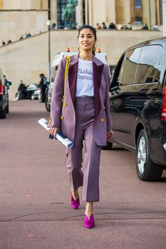 Caroline Issa is seen after the Hermes show during Paris Fashion Week Womenswear on October 2 2017 in Paris France Fashion Mode, Suit Fashion, Look Fashion, Street Fashion, Fashion Trends, Trendy Fashion, Fashion Ideas, Womens Fashion, Fashion Dresses