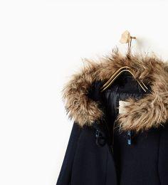 Image 3 de Manteau avec capuche à fourrure de Zara