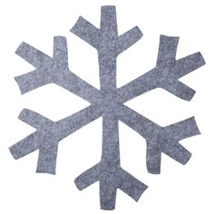 Snowflake Felt Charger in Grey makes for winter fun without being too cutesy.