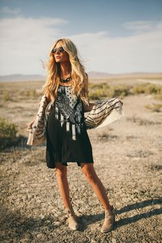 Lost in the desert- Fashion shoot with Amber Fillerup Clark