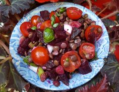 Lentil, beet and tomato salad - CookTogether Tomato Salad, Beets, Lentils, Salads, Fruit, Healthy, Recipes, Food, Lenses