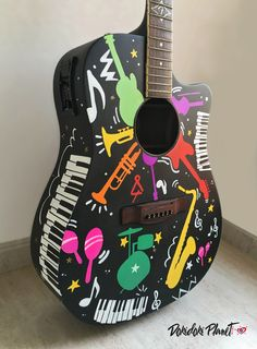 Lateral y frontal de guitarra Fender pintada a mano. Encargo personal. By Dokidoki Planet