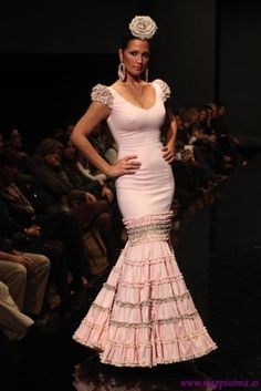 Moda Flamenca Flamenco Costume, Flamenco Dancers, Special Dresses, Formal Dresses, Anniversary Dress, Spanish Fashion, Mermaid Gown, Feminine Dress, Dressed To Kill