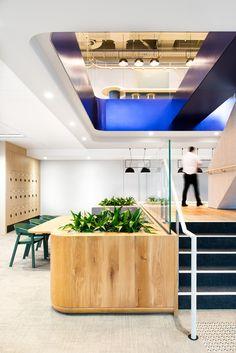 Savills Offices - Going green theme  #office #ironageoffice #greenoffice http://www.ironageoffice.com/