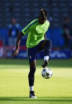 Paul Pogba of Juventus controls the ball during a Juventus training session on the eve of the UEFA Champions League Final match against FC Barcelona at Olympiastadion on June 5, 2015 in Berlin, Germany.
