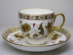 ** Šálek na čaj - zlatě malovaný porcelán **